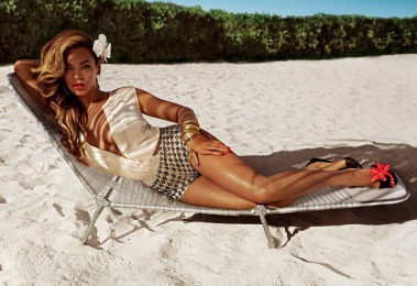 Beyoncé+Collaborates+with+H&M+for+Summer+Collection