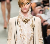 chanel-resort2014-runway-30_113418542649