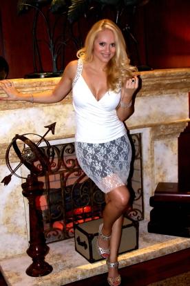 Cream-Lace-Mini-Skirt-A
