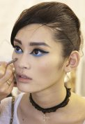 graphic-blue-eye-makeup-chanel-2014-resort-runway