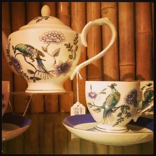 Peacock_teapot_set