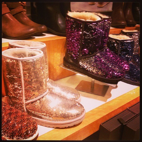 UGGS_sequinede
