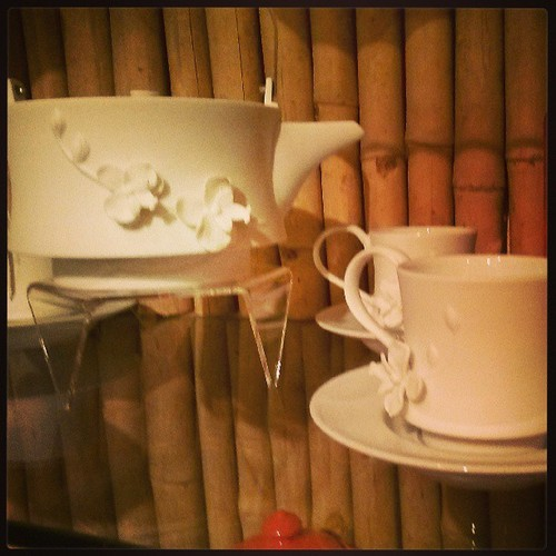 Wild_orchid_tea_pot