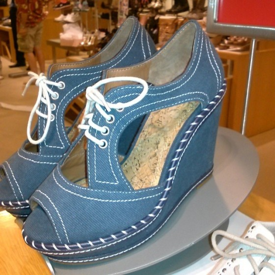 GB Good-Vibz Lace-Up Wedges